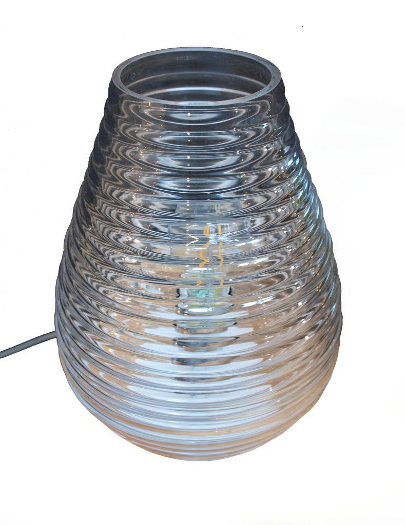 Szklana lampa stołowa w kształcie gniazda pszczelego