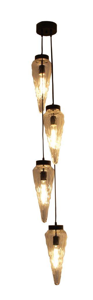 Lampa ze 4 szklanymi kloszami w kształcie sopla.